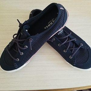 NWOT Sperry no-tie sneakers
